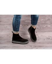 Молодежные ботинки из черного замша на черной спортивной подошве