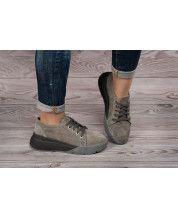 Кроссовки на черно-серой подошве из натурального серого замша