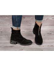Стильные ботинки на подошве с каблучком из черного замша + декор молния