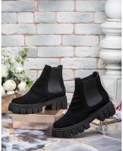 Ботинки на шнурках на низком ходу в черном замше