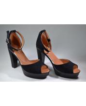 босоножки на высоком каблуке на коричневой подкладке из черного замша
