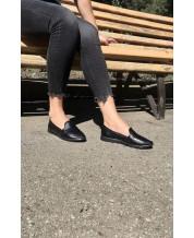Туфли-лоферы из черной кожи
