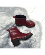 Ботиночки из бордовой кожи с декор змейкой и декор подошвой