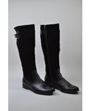 стильные сапоги с комбинацией натуральной черной кожи и черного замша на черной подошве со змейкой на всю длину сапога
